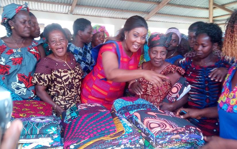 Don de « 20.000 pagnes » d'Amadou Gon : Qui règle la facture ?